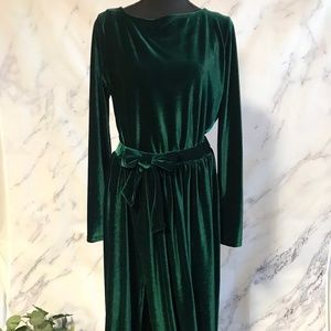 Dresses & Skirts - FORREST GREEN VELVET DRESS